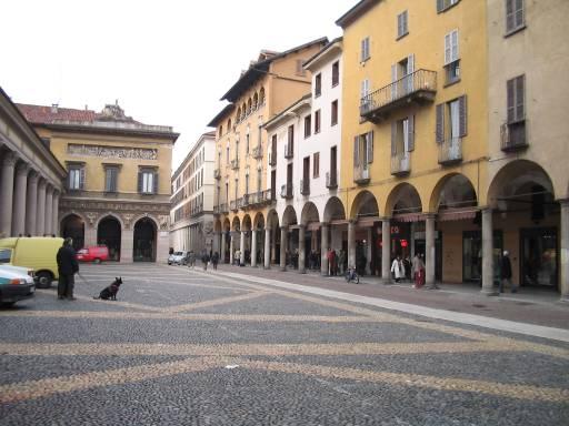 Novara febbraio 2004 for Negozi arredamento novara