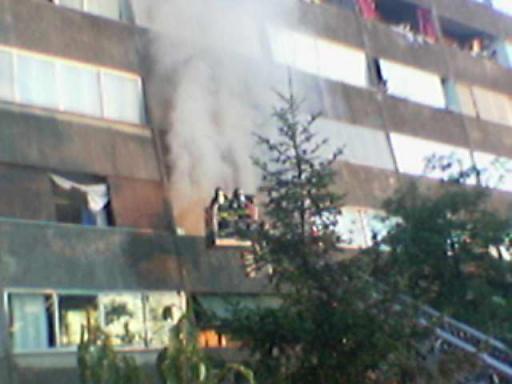 incendio 227, fumo e fiamme