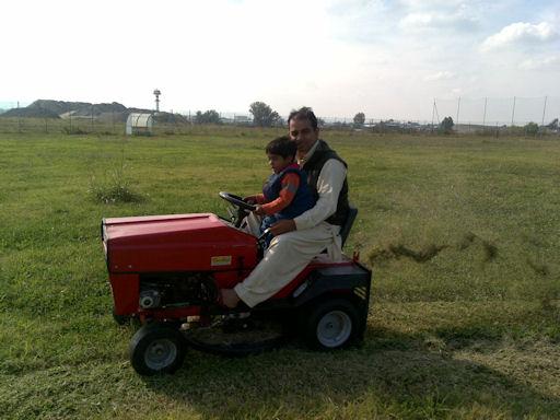 Shani taglia erba