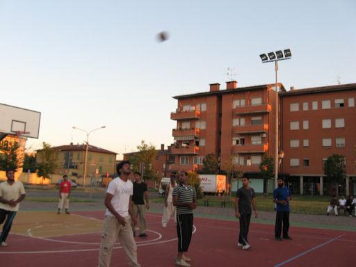 Imran e la palla in alto